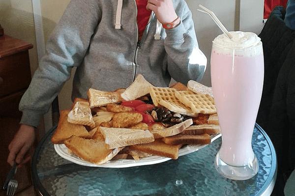 Завтрак на 8000 ККал Не мое, Еда, Рекордсмен
