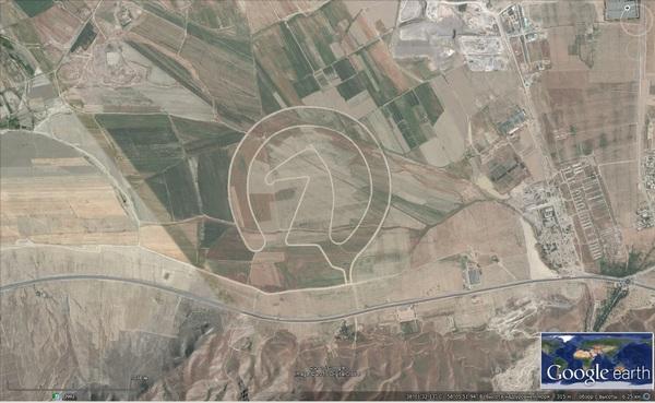 Земелька Гугл озадачила... Лошади, Google Earth