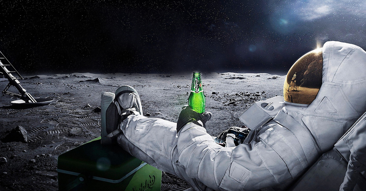 astronaut chilling in space - HD 1920×1080