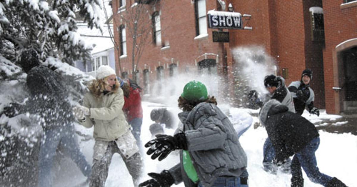 Игра в снежки картинки прикольные, невеста