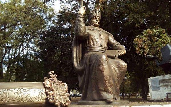 Какая ирония... Порошенко открыл в Полтаве памятник Мазепе Петр Порошенко, Украина, Полтава, Мазепа, Политика