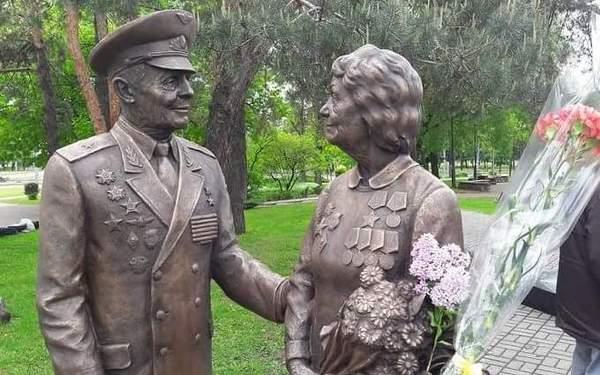 В Киеве открыли памятник ветеранам