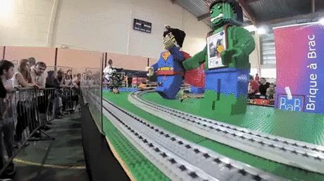 Скоростной поезд Лего