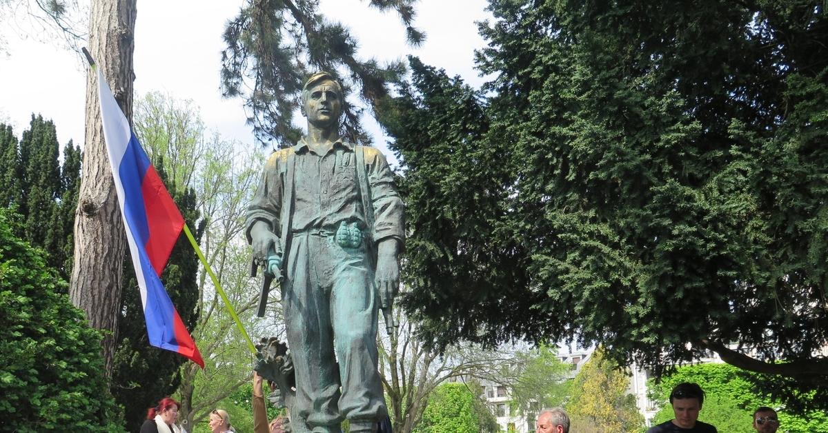 маленькие хитрости франция памятник русским партизанам фотографии субпродукт
