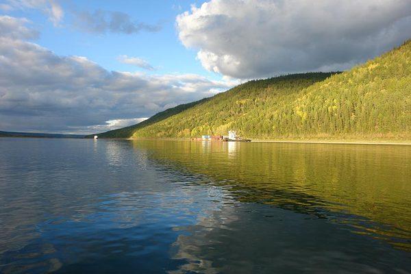 Туристические места республики Саха - река Лена и природный парк