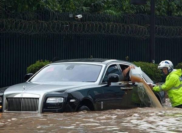 """Ханой (Ha Noi) дословно переводится как """"Внутри реки"""" и в сезон дождей это понимаешь буквально"""