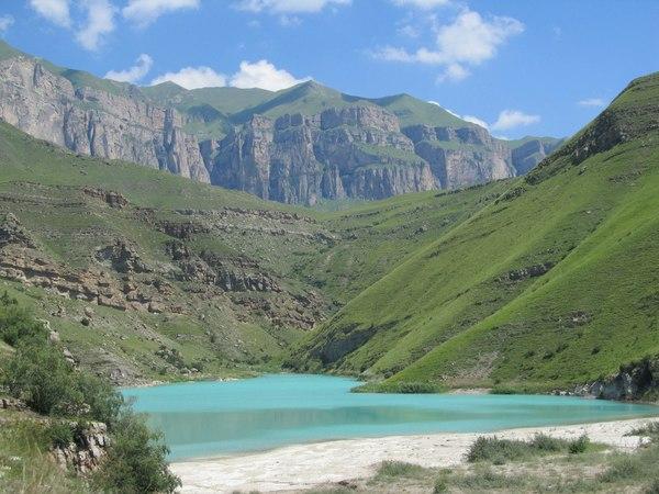 Горное озеро в Кабардино-Балкарии