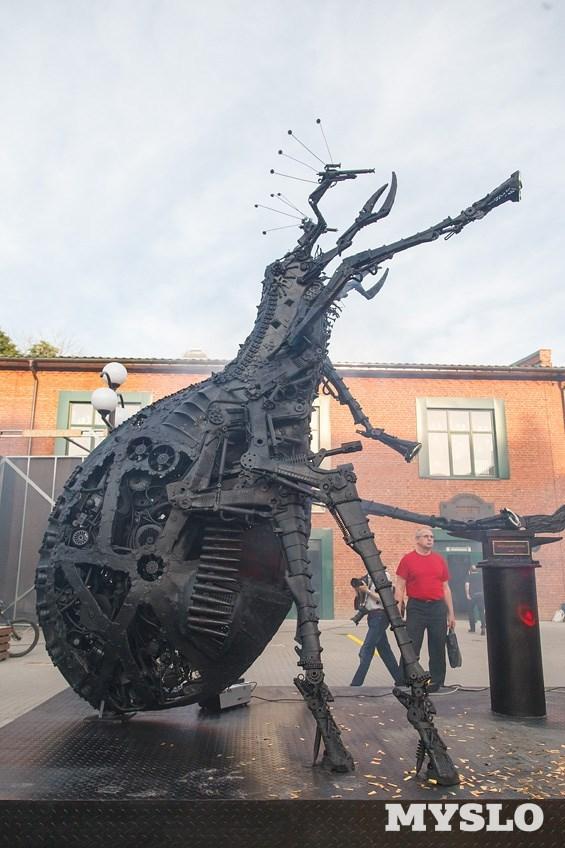 Памятник блохе в туле где памятники в омске цены с Бердск