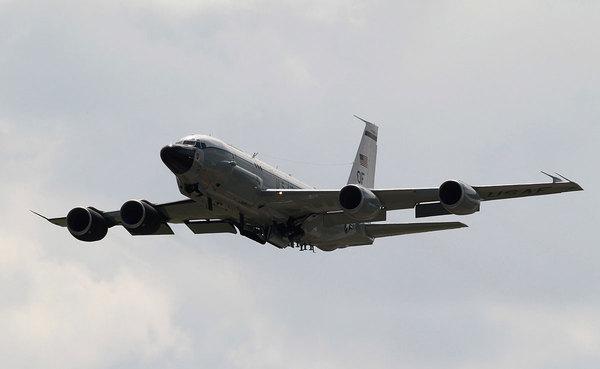 """США обвинили Китай в """"небезопасном"""" перехвате самолета-разведчика Политика, США, Китай, ДБ, Информационная война"""