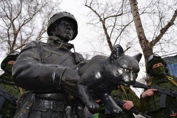 Памятник вежливым людям Вежливые люди, Памятник