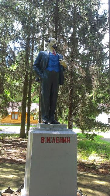 Это капец товаГищи) Памятник ленину, Украина