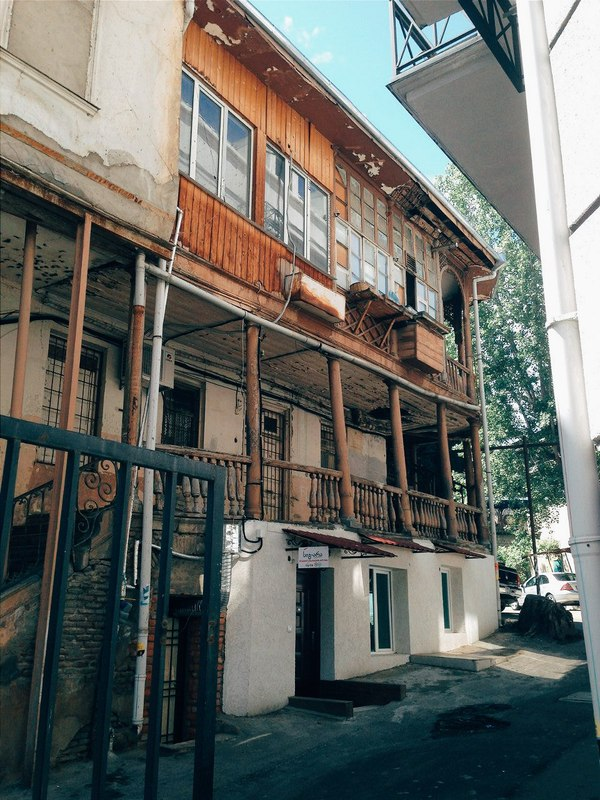 TbilisiLovesYou Georgia, Tbilisi, Oldtbilisi, Tbilisilovesyou, Грузия, Тбилиси, Старые дома, Старые улицы, Длиннопост