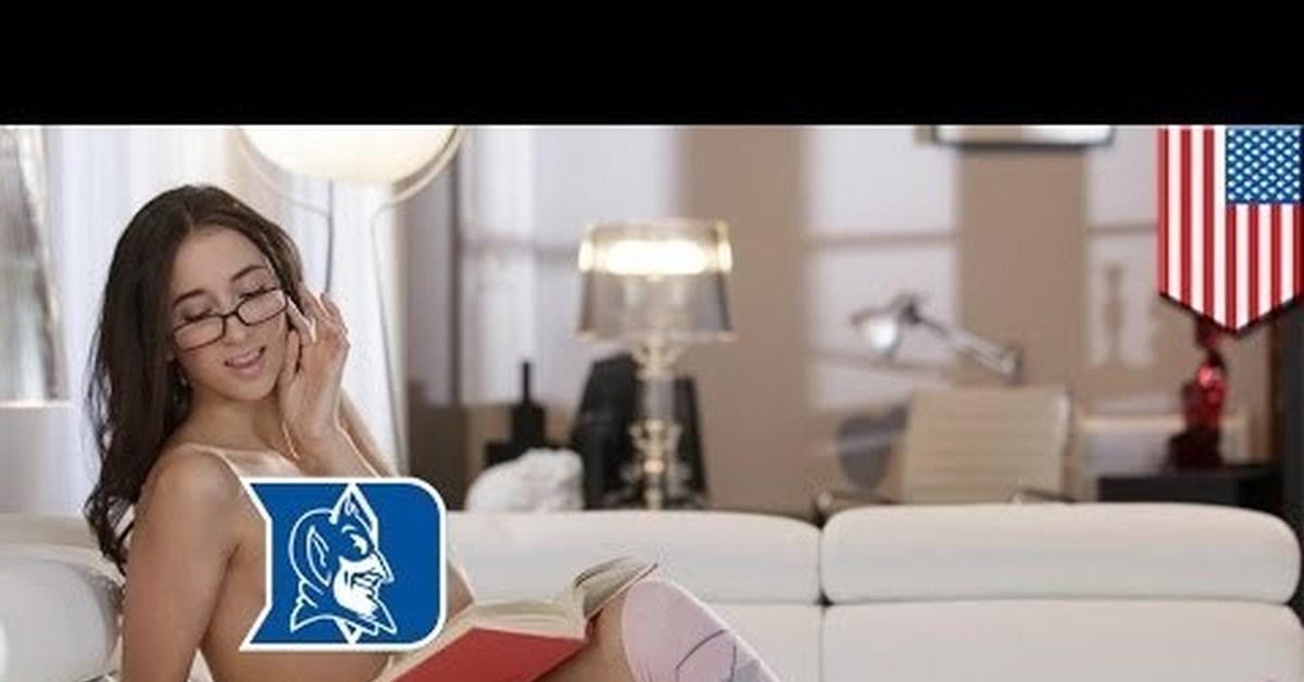 video-s-piterskimi-s-pornozvezdami-zhena-luchshiy-delaet-minet-domashka