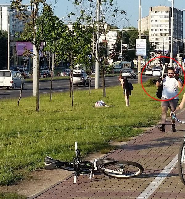 Минск: пешеход уверяет, что велосипедист ударил его битой за ходьбу по велодорожке Минск, Велосипед, Велосезон, Криминал, Пешеход, Длиннопост, Новости