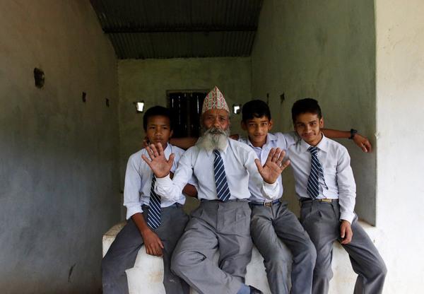 Никогда не поздно жизнь, Люди, Образование, бедность, стремление, цель, Непал, длиннопост