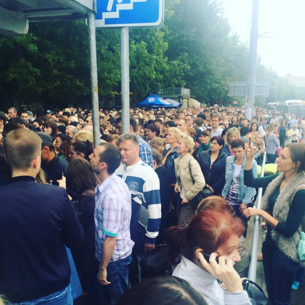 Утренний пожар в московском метро привёл к столпотворению и давке москва, метро, пожар, коллапс, мчс, транспорт, электротранспорт, видео, длиннопост