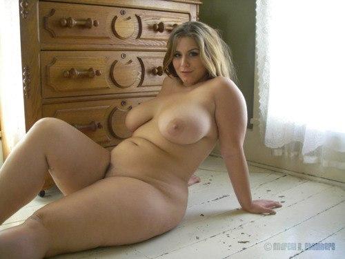 Фото голых пухляшек