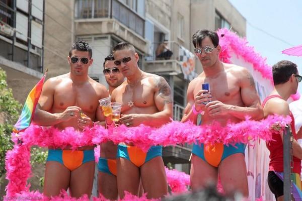 Бег от противных. противно, гомосексуализм, смертельная опасность, бег, на лезвии бритвы, догонялки, заднепроходцы