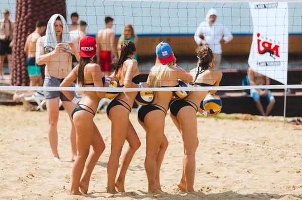 Девушки с грудью в волейболе фото 495-957