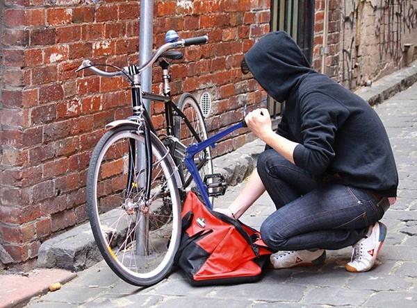 Психология веловора (велолюбителям на заметку) Велосипед, Замки, Вор, Кража, Подъезд, Болторез, Психология, Юмор, Длиннопост