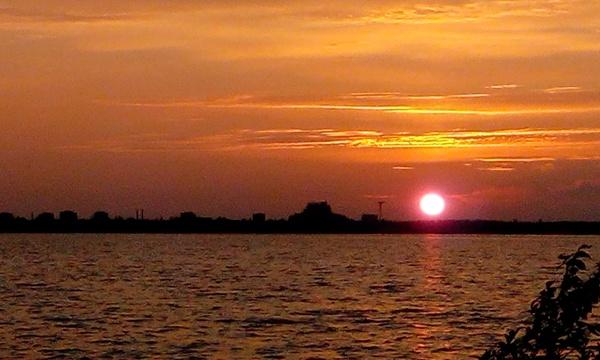 Закат Закат, Озеро