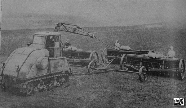 Электрический трактор: MADE IN USSR Трактор, Сельское хозяйство, ЭкоСфера, Электричество, Длиннопост, СССР
