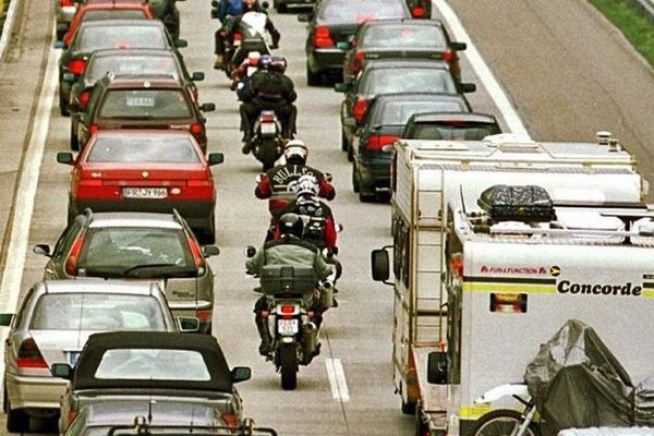 Пробки и мотоциклисты там и тут... Пробки, Германия, Мотоциклист, Вежливость, Дорога, Понимание, Закон, Немцы