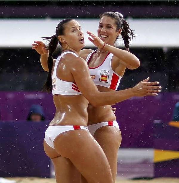 Пляжный волейбол девушки без одежды фото 606-94
