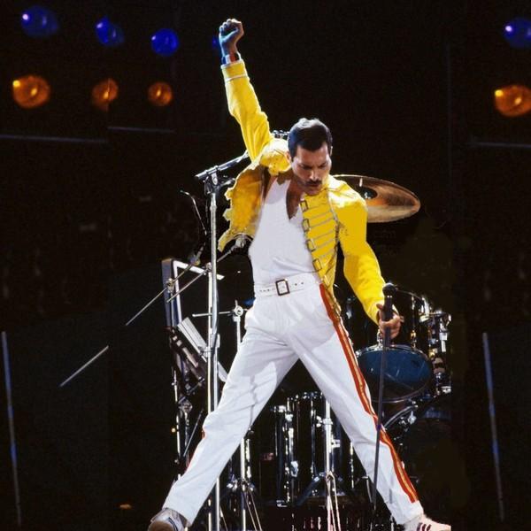 Сегодня, 5 сентября Фредди Меркьюри исполнилось бы 70 лет. Show must go on!