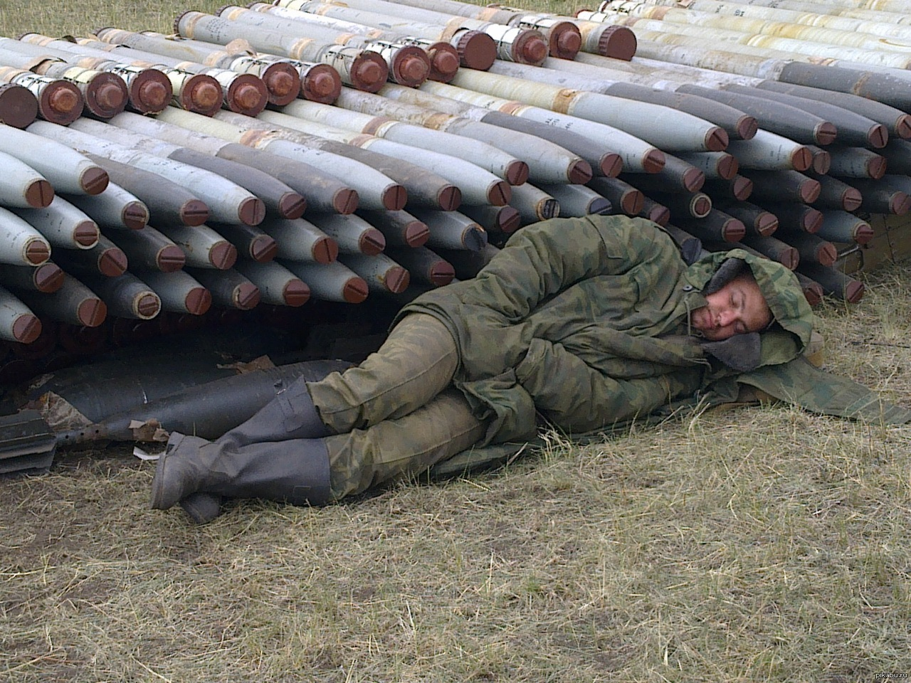 солдат спит служба идет фото