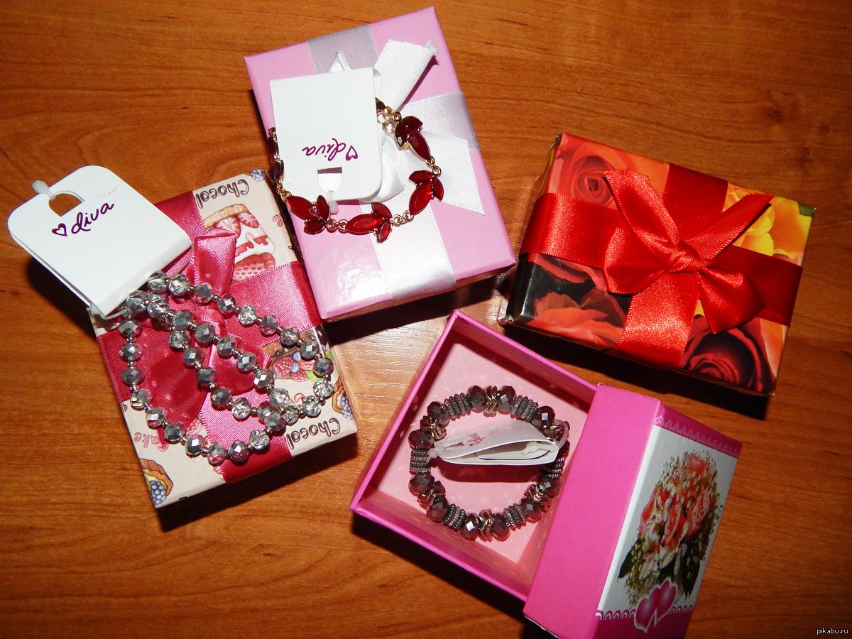 Подарки на 8 марта девчонкам