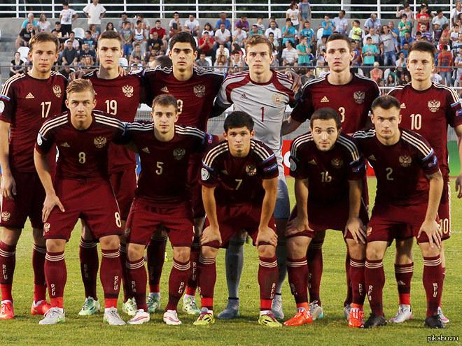 Фото испанской сборной молодёжки по футболу парней