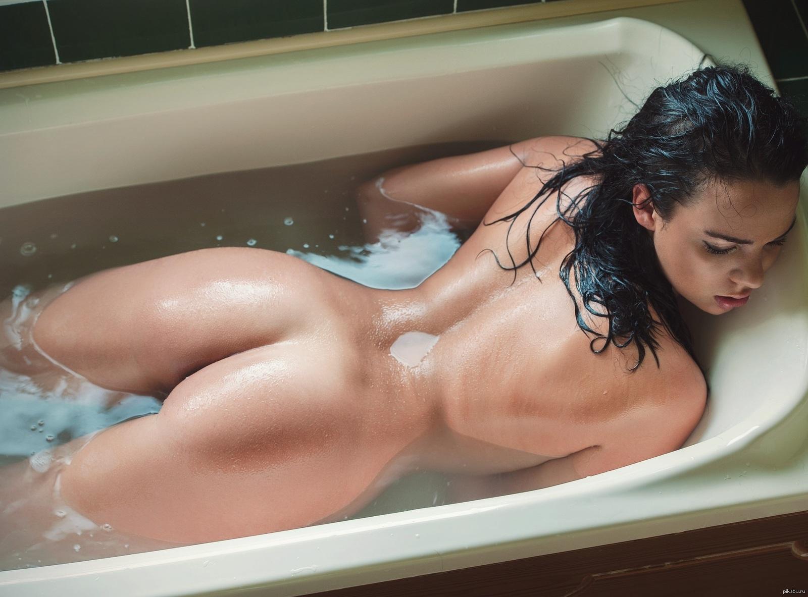 молодая попа в ванной фотогалерея это