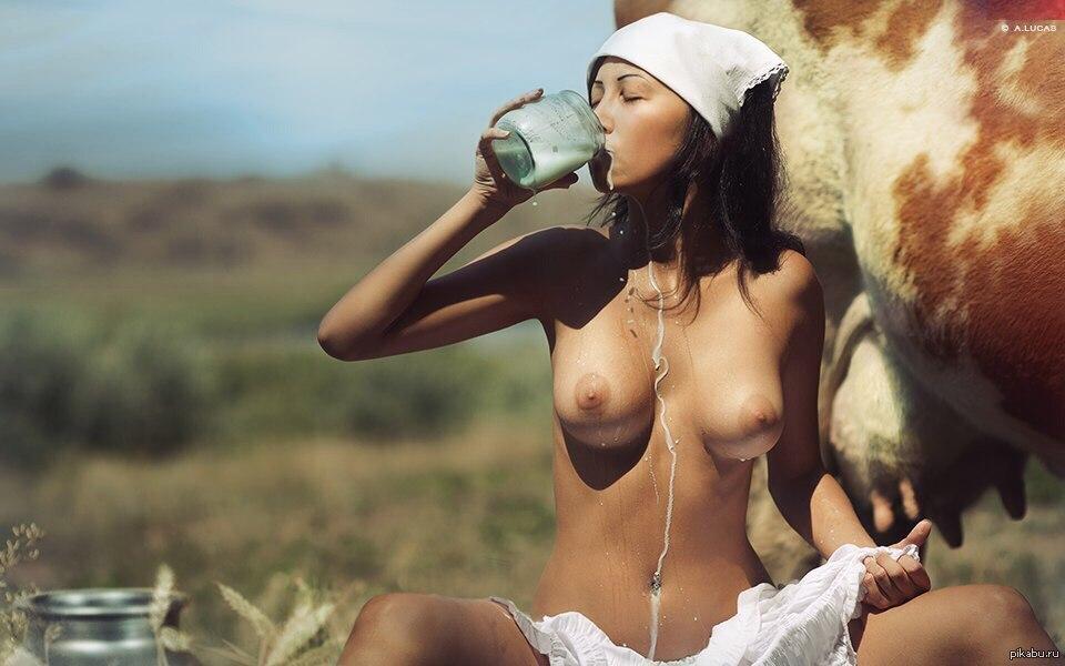 развлечениями девушки с молоком голая фото точно