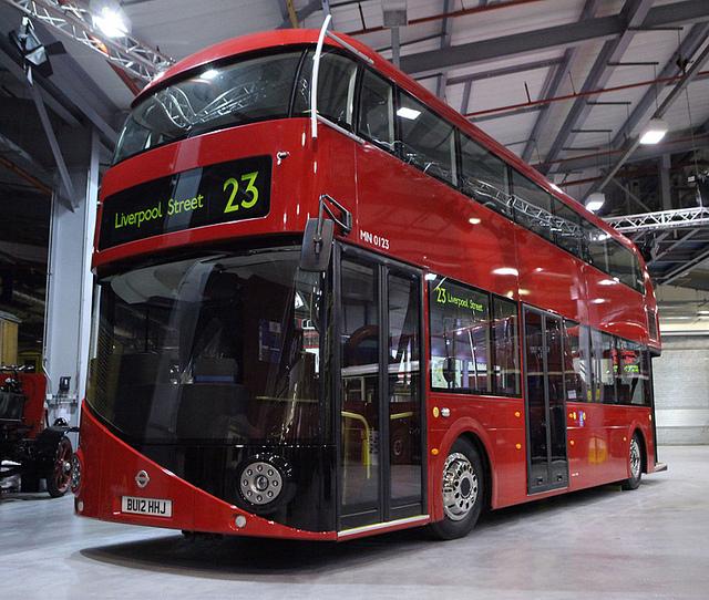 Как лондонцы используют большие красные автобусы