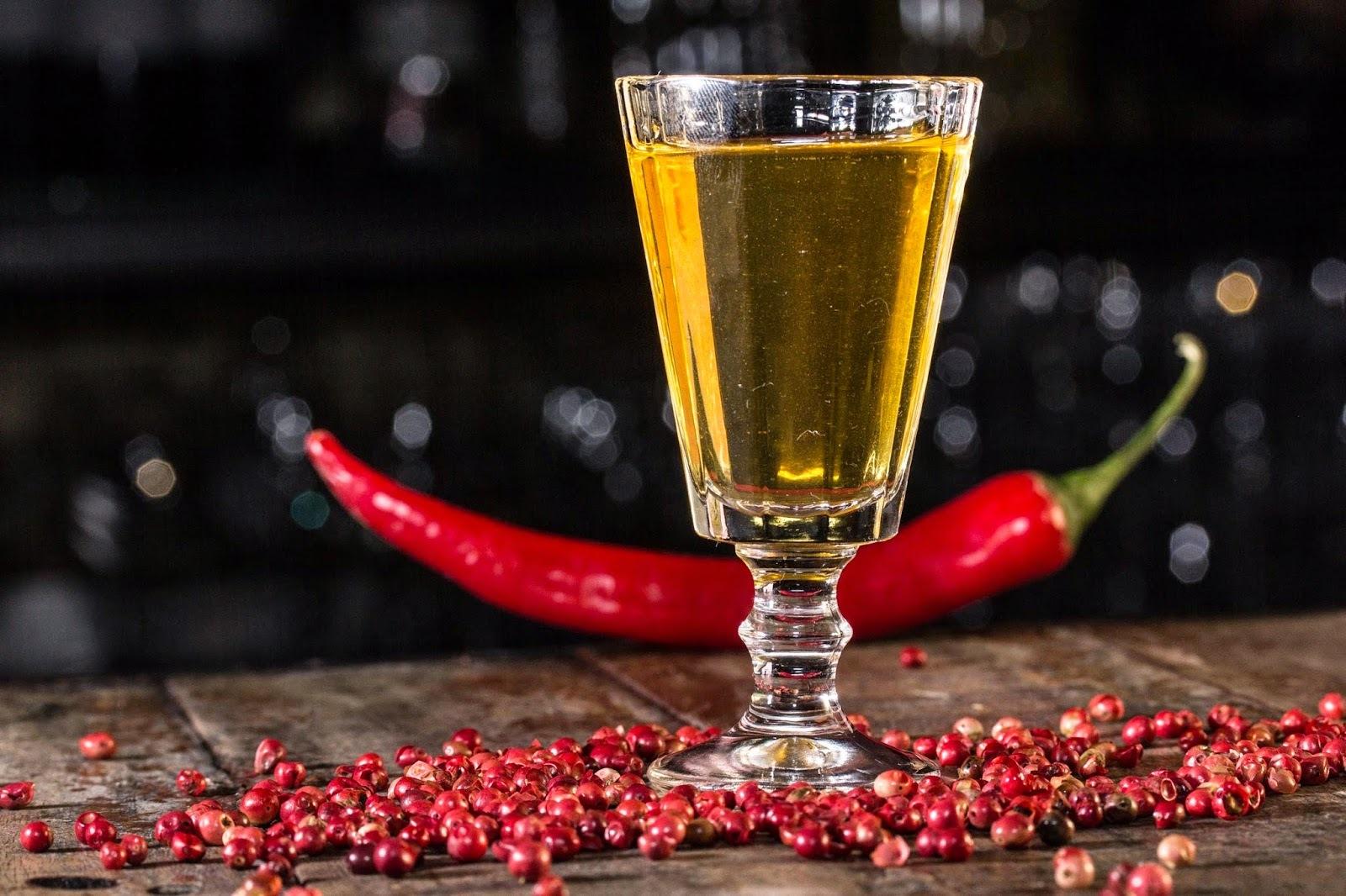 Перцовая настойка на спирту если развести спирт с водой