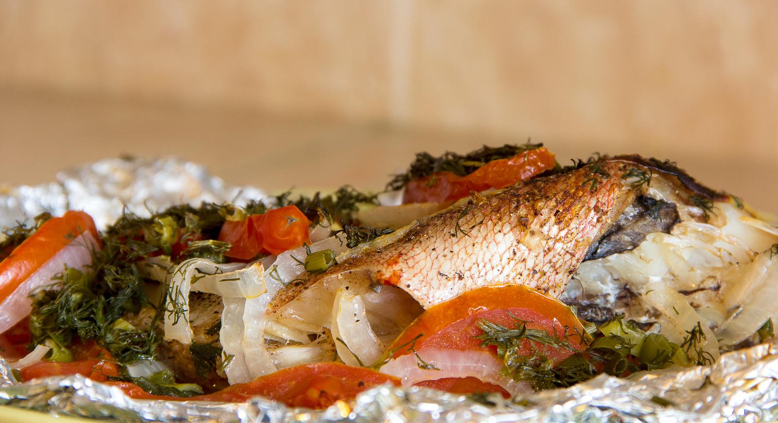 морской окунь запеченный в духовке рецепт с фото