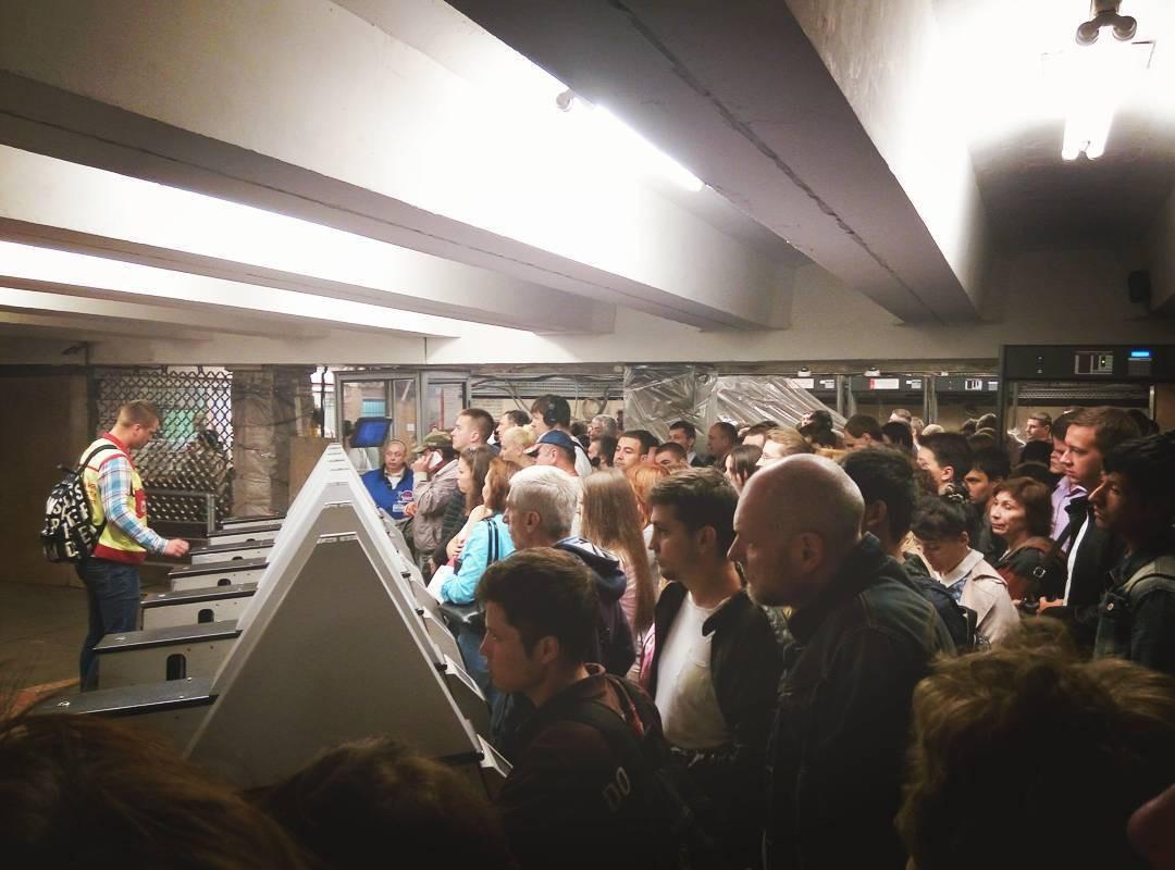 Работа сторожем метро выхино