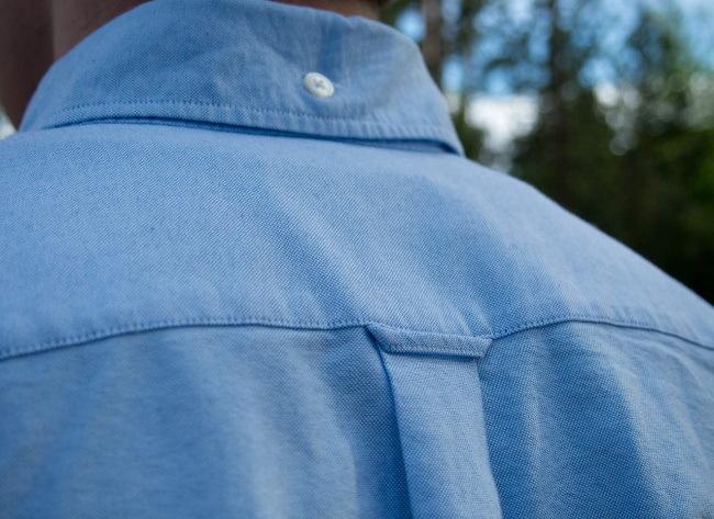 """Картинки по запросу """"Пуговица на задней стороне воротника рубашки"""""""