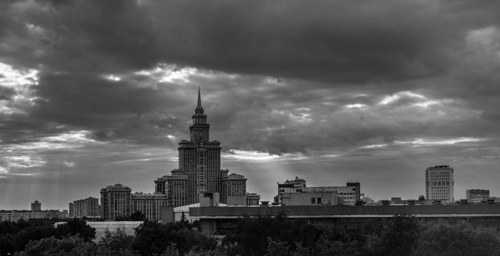 черно-белое фото города