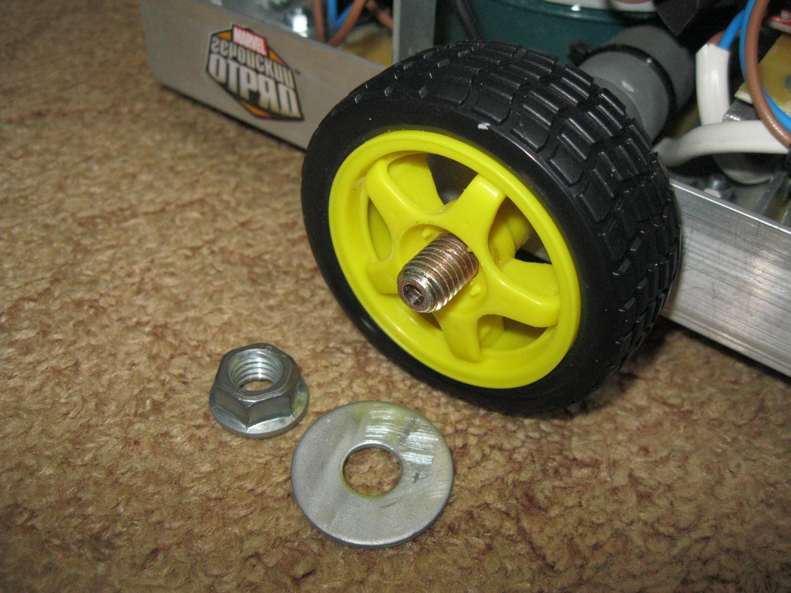 Робот своими руками колесо