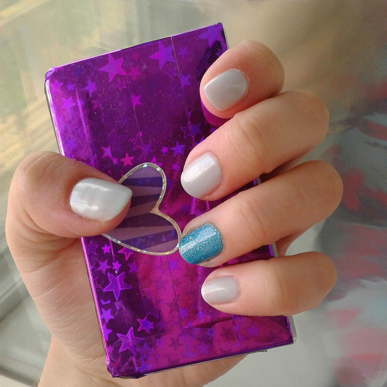 Дизайн натуральных ногтей: фото декора и украшений для 48