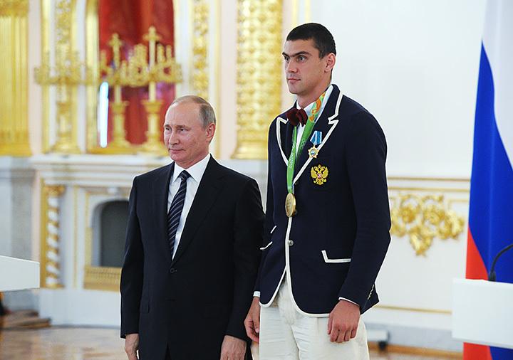 Фото дня - російські ЗМІ фальсифікують зріст прем'єра Медведєва - Цензор.НЕТ 8650