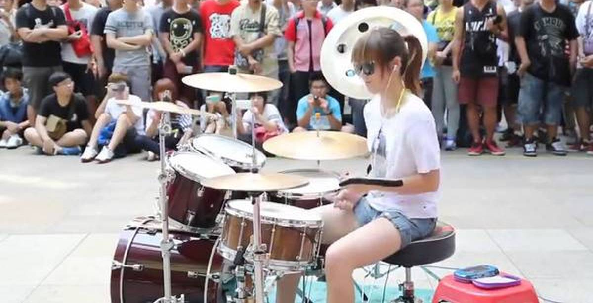 girl playing drums - 1280×720